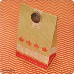 Braune Papierbeutel klein: Kleine braune Blockbodenbeutel - ideal als kleine Kekstüten ♥ ca. B 7 x H 20 x T 4 cm ♥ Kraftpapier, innen Pergament ...