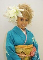振り袖,写真,2014京都25 ふりそで美女スタイル〜振袖BeautyStyle〜 成人式会場で見つけたふりそで美女の写真ギャラリーです。振袖をレンタルする際や髪型や着付けなどで困ったらまずはチェック! http://www.furisode.gr.jp/