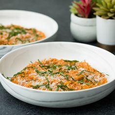 This tomato cream risotto made with Prego Farmers' Market® Roasted Garlic sauce is an easy and absolutely irresistible weeknight meal. Risotto Recipes, Pasta Recipes, Dinner Recipes, Cooking Recipes, Healthy Recipes, Italian Dishes, Italian Recipes, Weeknight Meals, Easy Meals