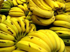 Bananas. Calories per serving: 200  Low in fat and cholesterol, bananas are yummy, healthy fruits. They're full of vitamin C, fiber, and B6. Mash them up in cereal (or yogurt!) or eat them by themselves. A banana is a terrific to-go snack.