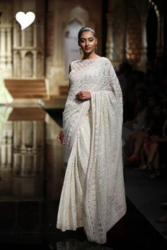 Day 1 at BMW India Bridal Week: Abu Jani & Sandeep Khosla's Varanasi Collection! Indian Beauty Saree, Indian Sarees, Pakistani, Saree Wedding, Desi Wedding, Wedding Fun, Saris, Indian Dresses, Indian Outfits