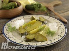 Kovászos uborka télire Celery, Pickles, Cucumber, Vegetables, Food, Essen, Vegetable Recipes, Meals, Pickle