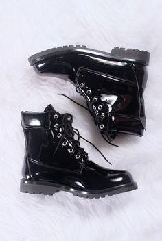 Coturno Vegano Preto Verniz Classic Fashion Art, Combat Boots, Girly, Hipster, My Style, Vintage, Tattoo, Clothes, Instagram