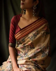 Where To Shop Sarees That Can Make You Look Super Stylish! Want to shop Super Stylish Sarees Online? Do check out this brand's collection here. Blouse Back Neck Designs, Fancy Blouse Designs, Traditional Blouse Designs, Traditional Outfits, Trendy Sarees, Stylish Sarees, Tulsi Silks, Saree Trends, Saree Look