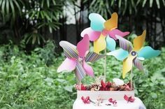 Colourful Pinwheels. Learn how to make one here: http://sgbrid.es/GPkPBl