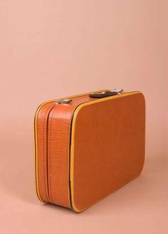 Vintage Luggage Sets - agencyby - Getty Images Gustav Stickley, Vintage Globe, Beloved Book, Vintage Trunks, Vintage Luggage, Thrift Store Finds, Luggage Sets, Rough Diamond, Canning Jars