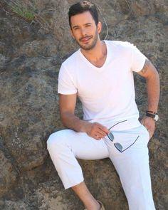Barış arduç why are you so handsome? Turkish Men, Turkish Beauty, Turkish Fashion, Turkish Actors, Victoria Beckham, Glossy Eyes, Elcin Sangu, Trending Photos, Instyle Magazine