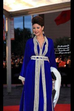 Simple yet so Stunning #LeilaHadioui