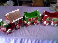 Christmas Yard Art, Christmas Train, Christmas Sewing, Christmas Wood, Christmas Crafts For Kids, Christmas Projects, Holiday Crafts, Halloween Train, Christmas Tree Accessories