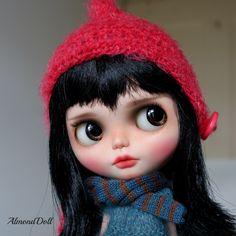 Riley- custom ooak blythe doll, unique art doll by AlmondDoll door AlmondDoll op Etsy https://www.etsy.com/nl/listing/271937858/riley-custom-ooak-blythe-doll-unique-art