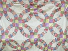 double-wedding ring vintage quilt top, patchwork, old cotton print fabric