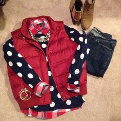 polka dots, vest, jeans, and booties I need this red vest Fall Winter Outfits, Winter Wear, Autumn Winter Fashion, Fashion Fall, Winter Looks, Estilo Fashion, Ideias Fashion, Preppy Style, Style Me