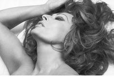 Sophia still sensational at 72, Pirelli Calendar 2007