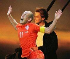 Los 'Memes' del la caída de Robben son la venganza de México