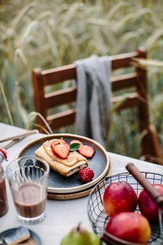 Breakfast between fields / Marta Greber