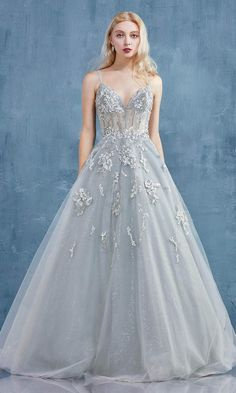 Elegant Ball Gowns, Ball Gowns Evening, Ball Gowns Prom, Ball Gown Dresses, Floral Ball Dresses, Prom Dresses Flowers, Corset Prom Dresses, Gown Skirt, Tulle Ball Gown