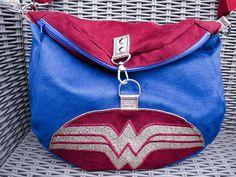 Géraldine 🌙🧜♀️🌊 sur Instagram: Et voici ma version du sac Limbo offert à ma Wonderwoman préférée, aka ma petite soeur. 👜Ce sac est très clairement ma master piece !…