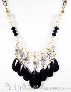maxi colar de gotas acrílicas, cristais e perolas. R$89,00