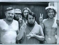 Harrison Ford was a professional carpenter in 70's. Before this picture, he did worked to the brazilian musician Sergio Mendes (center).