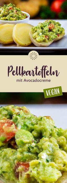 Diese Avocadocreme schmeckt besonders gut zu Pellkartoffeln, da die Avocadostückchen auf den heissen Kartoffeln förmlich dahinschmelzen. #rezept #vegan #kartoffeln #avocado