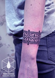 #Geometric #wrist #tattoo