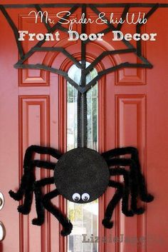 Make a cute front door spider with Lizzie Jane & A festive Halloween door decoration with a DIY giant spider web ... Pezcame.Com