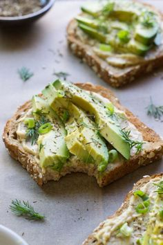 10 Avocado Toast Recipes That Make a Great Pick-Me-Up | Want a simple, healthy, and delicious snack that's easy to make and that you can enjoy any time of the day? Then you need to try these avocado toast recipes.