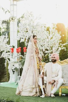 One bride tells her exactly how much she spent on her dream Sabyasachi Lehenga. You have to see her beautiful Patiala Wedding. Latest Bridal Dresses, Wedding Dresses For Girls, Indian Wedding Outfits, Indian Weddings, Romantic Weddings, Wedding Groom, Boho Wedding, Farm Wedding, Wedding Reception