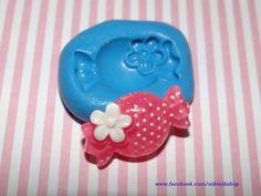 Moldes aprobados por la FDA para alimentos!! Decoración súper fácil de cakes y cupcakes. También para pasta francesa, Fimo-Sculpey y resina. Hacer joyería, embelishments, cabuchones. Kawaii & decoden