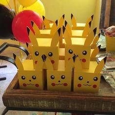 """22 Me gusta, 3 comentarios - Criar é coisa Séria (@criarecoisaseria) en Instagram: """"Hoje foi a vez de uma linda festa Pokemon feita pela cherryontoprj e nossa papelaria não podia…"""""""