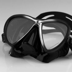 SCUBAPRO Synergy Twin Mask: With its soft, tapered skirt, the Synergy Twin focuses on fit so divers can focus on everything else.