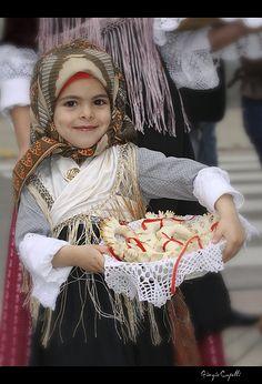 nuove generazioni, antiche tradizioni Sardegna    #TuscanyAgriturismoGiratola