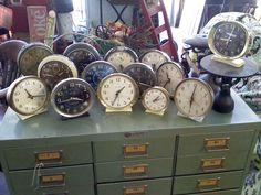 Collection of clocks Vintage Alarm Clocks, Old Clocks, Antique Clocks, Tick Tock Clock, Hickory Dickory, Clock Art, Tic Toc, Displaying Collections, Pocket Watches