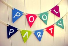A pool party is an awesome idea on a warm summer day. Here are lots of pool party inspirations! Pool Party Games, Pool Party Kids, Pool Party Decorations, Summer Pool Party, Water Party, Luau Party, Decoration Party, Hawaian Party, 2nd Birthday Parties