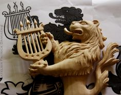 part of a coat of arms for a Swiss client. Heraldry Carved in lime wood www.patrickdamiaens.be