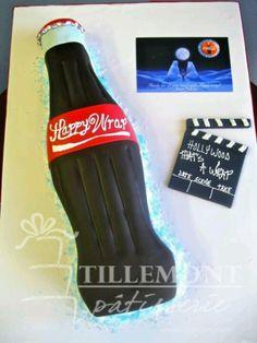 Coca Cola cake... Coke Cake, Coca Cola Cake, American Drinks, Always Coca Cola, Different Cakes, Cupcake Cakes, Cupcakes, No Bake Cake, Cake Designs
