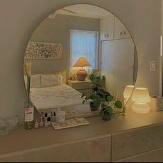 Room Ideas Bedroom, Bedroom Decor, Decor Room, Bedroom Inspo, Room Ideias, Indie Room, Minimalist Room, Aesthetic Room Decor, Cozy Room