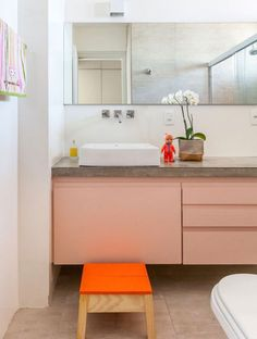 Bathroom - Concrete top with light pink Rose Quartz Serenity, Pastel Interior, My Ideal Home, Decoration, Home Projects, Architecture Design, Sweet Home, Bathtub, Indoor