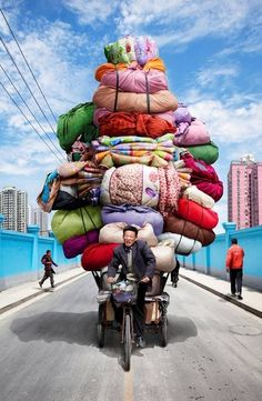 A board dedicated to travel/fantasy/journey ~ Amazing Art photography ~ Chinese Tótems, by Alain Delorme People Around The World, Around The Worlds, Vietnam, Gatlinburg Tennessee, Funny Photos, Wonders Of The World, Amazing Art, Art Photography, People Photography