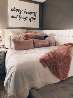 Teen Room Decors - Just another WordPress site Cute Bedroom Ideas, Cute Room Decor, Teen Room Decor, Room Ideas Bedroom, Home Bedroom, Bedroom Decor, Bedrooms, Bedroom Inspo, Quirky Bedroom