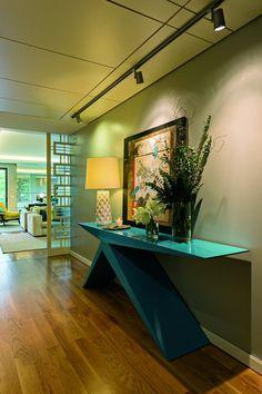 No Parque das Nações, em Lisboa, o ateliê Insight assina o novo layout de um apartamento para uma jovem família, com duas filhas.