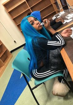Wanna a new look? this blue wig is not a bad choice Wanna a new look? this blue wig is not a bad cho Blue Ombre Hair, Blue Wig, Teal Blue, 360 Lace Wig, Lace Wigs, Jogging, Lace Hair, Brown To Blonde, Synthetic Lace Front Wigs