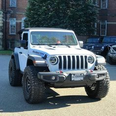 This is what a Jeep Wrangler shood look like Two Door Jeep Wrangler, Jeep Wrangler Rubicon, Jeep Wrangler Unlimited, Jeep Jl, Jeep Truck, Jeep Mods, Cool Jeeps, Jeep Accessories, Jeep Gladiator