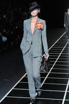 Giorgio Armani Fall 2012 Ready-to-Wear Collection Slideshow on Style.com