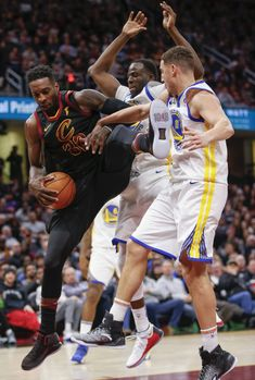 Jeff Green  32 of the Cleveland Cavaliers gets tied up under the basket  against Klay 07d40bc6c