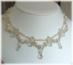 Kaskadierende Braut Teardrop-Kette weiße Perle von BridalDiamantes