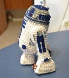 R2D2 Free Crochet Pattern ༺✿ƬⱤღ✿༻