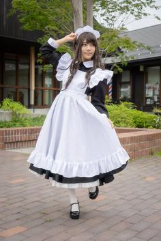Cute Asian Girls, Cute Girls, Cool Girl, Maid Outfit, Maid Dress, Victorian Maid, Maid Cosplay, Cute Girl Outfits, The Most Beautiful Girl