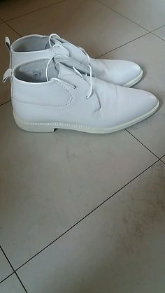 Chaussure blanche Sneakers, Shoes, Style, Fashion, White Shoes, Womens Fashion, Tennis, Swag, Moda