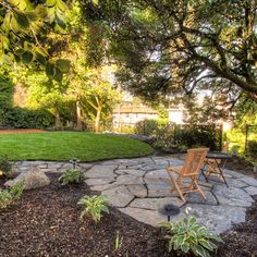 Portland Landscaping Overlook - Traditional - Exterior - portland - by Paradise Restored Landscaping & Exterior Design Outdoor Walkway, Stone Walkway, Flagstone Patio, Outdoor Decor, Stone Patios, Patio Stone, Backyard Retreat, Backyard Patio, Backyard Landscaping